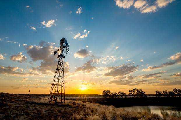 Sunset_with_windmill-634