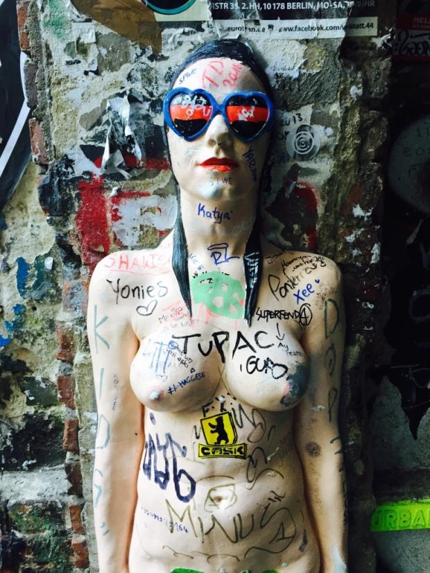 BerlinStreetArtGirl